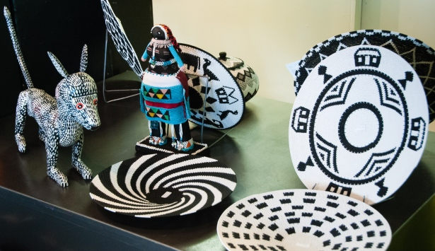 Zulu art -- black and white motifs