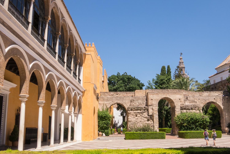 Reales alc zares de sevilla royal palace sevilla spain for Casas de sofas en sevilla