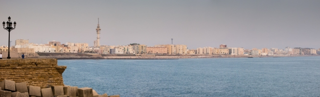 """Casco Antiguo"" (Old Town) on the far left and the newer city on the right, Cadiz, Spain"