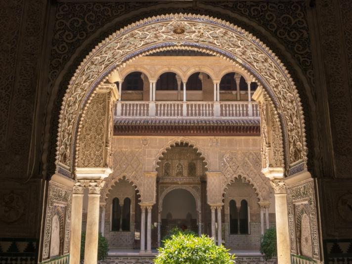 Details of Moorish architecture, Patio de las Doncellas, Reales Alcázares de Sevilla, Sevilla, Spain