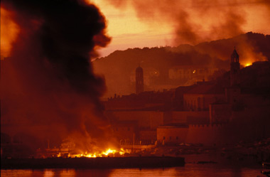 Dubrovnik Burning, © Copyright 1991 by Peter Northall, War Photo Limited