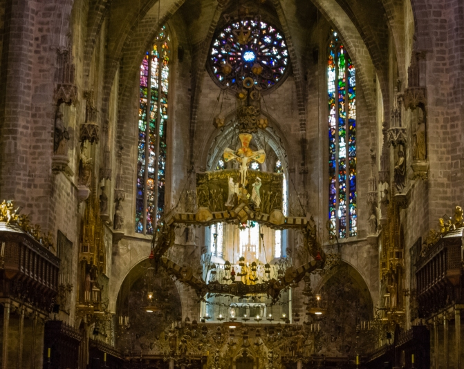 """Gaudi's """"halo"""" added in the 20th Century, The Cathedral Palma de Mallorca, Palma de Mallorca, Mallorca, Spain"""