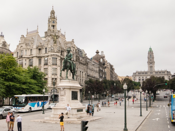Avenida dos Aliados (the main avenue and center of the city), Porto, Portugal