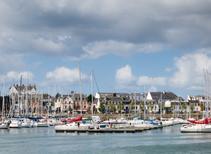 Arriving at Quai Carnot in Centre Ville (the city center) in Concarneau, France