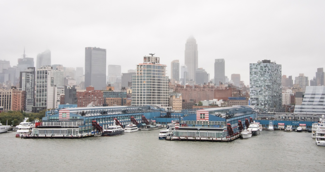Chelsea Piers Sports and Entertainment Complex on the Hudson River, Midtown New York, New York, USA