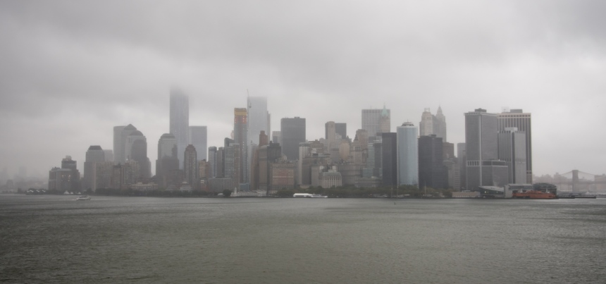 """The """"tip of Manhattan"""" (Battery Park, left, and the Financial District), New York, New York, USA"""