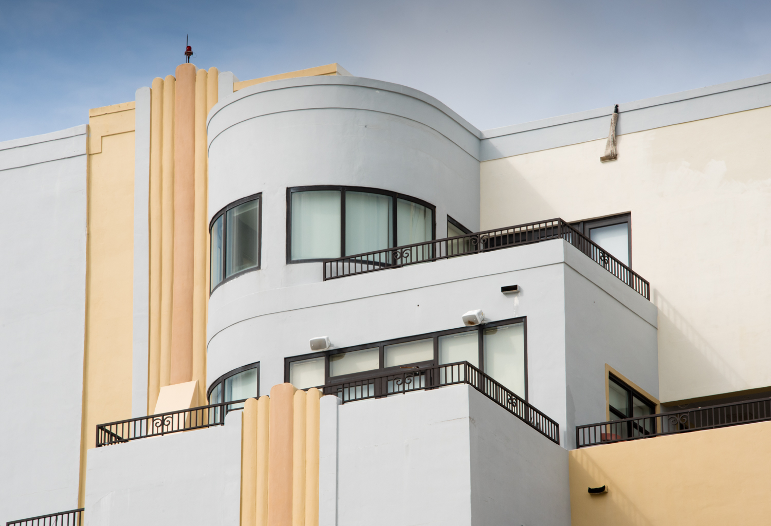 art deco walk in the south beach district of miami beach florida usa where in the world is