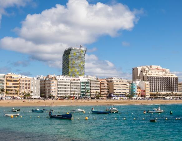 Hotels and apartment builings overlooking Playa de Las Canteras, Las Palmas, Gran Canaria, Canary Islands