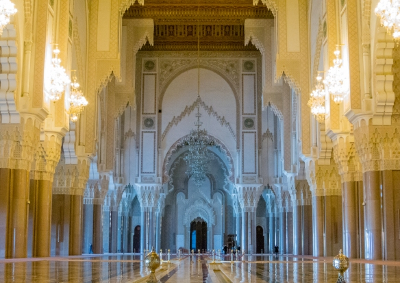 The elaborately decorated Prayer Hall holds 25,000 worshippers inside La Mosquée Hassan II (Hassan II Mosque), Casablanca, Morocco