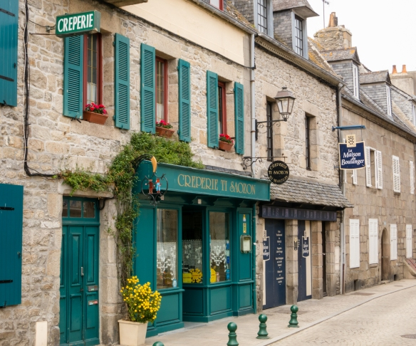 A creperie (crepe restaurant) serving the famous Breton buckwheat crepes, folded into a square, Roscoff, Brittany, France