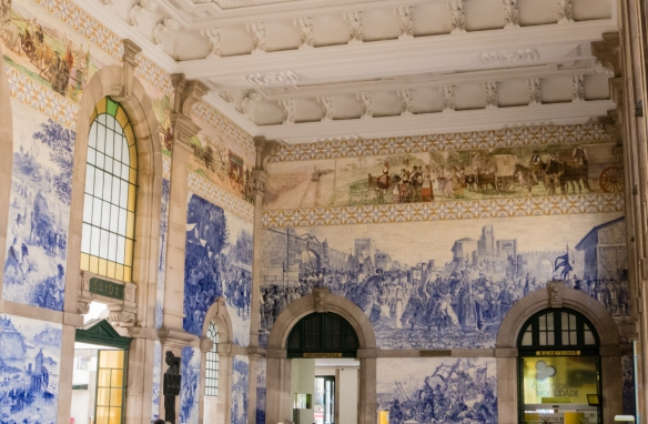 Estacao Sao Bento (Sao Bento Train Station) with 20,000 ceramic tiles making it one of the most beautiful stations in the world, Porto (Oporto), Portugal