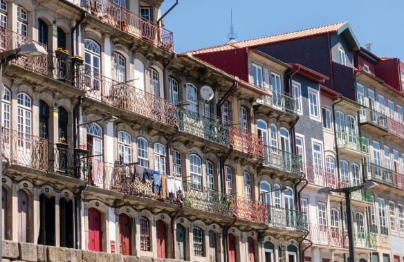 Older residences in the Ribeira District overlooking the Douro River, Porto (Oporto), Portugal