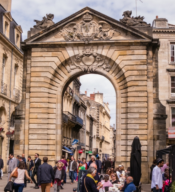 Porte Dijeaux, built by Voisin from 1748 to 1753 and sculpted by Francin, is one of the city's monumental gateways, Bordeaux, France