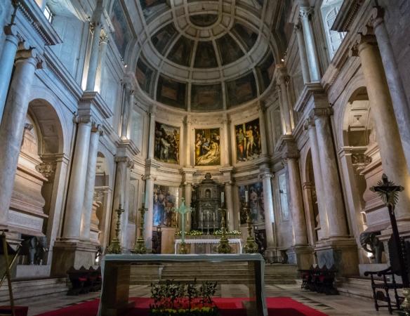 The main altar in Mosteiro dos Jerónimos (St. Jerone's Monastery), Lisboa (Lisbon), Portugal