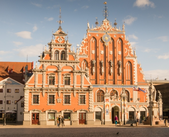 House of the Blackheads, built in 1334 -- destroyed in World War II and fully rebuilt in 1999 -- is the temporary home of Latvia's president (while Rigas Pils is renovated); it is a popular venue for concerts and events, Riga, Latvia