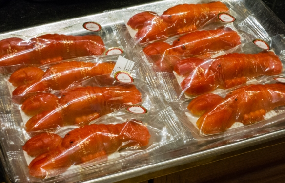 Not exactly Homard Bleu from Normandy, but tasty lobsters (marzipan), none the less, Café Niederegger, Lübeck, Germany