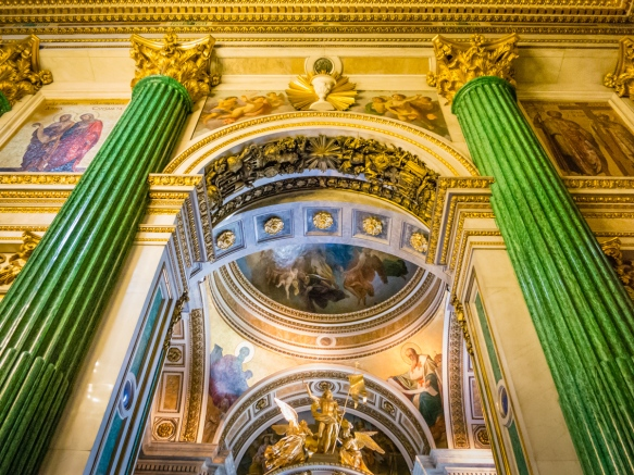 Interior of the cathedral with malachite columns and gold-gilded statues, Saint Isaac's Cathedral or Isaakievskiy Sobor, St. Petersburg, Russia