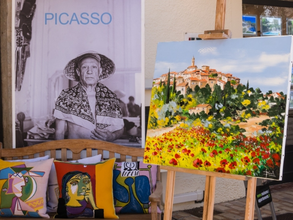 In the center of town we came across a store with authorized reproductions of works in various media by Pablo Picasso who had lived and worked in Mougins, France