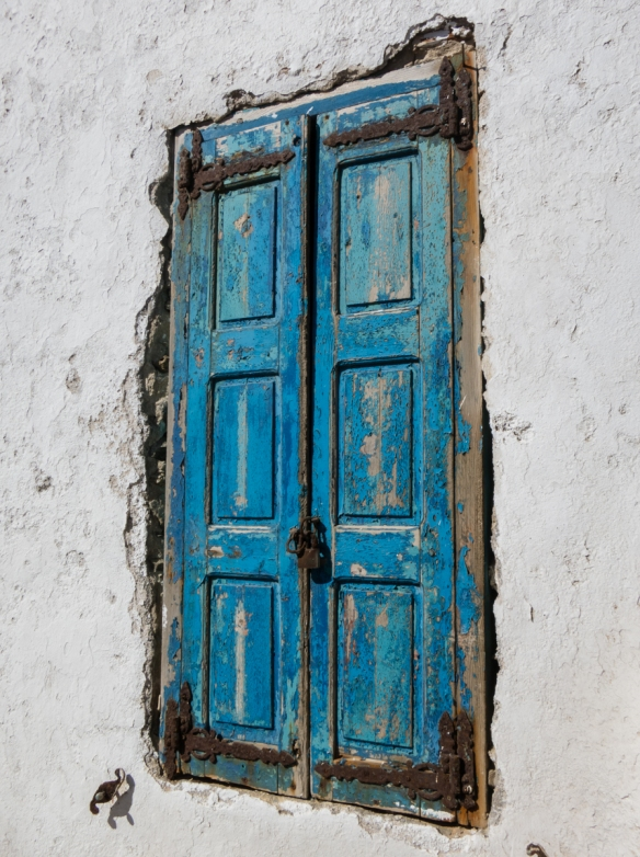a-weathered-window-in-chora-old-town-mykonos-town-mykonos-cyclades-greece