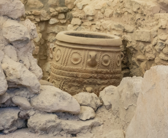 details-of-a-pithoi-storage-jar-found-in-situ-the-great-palace-of-knossos-heraklion-crete-greece