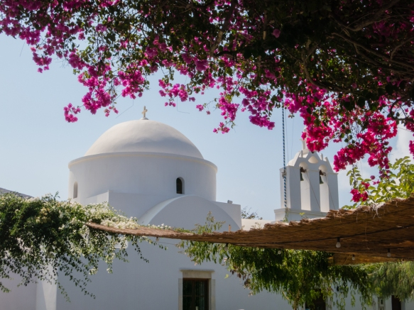 one-of-eleven-greek-orthodox-churches-in-the-small-town-of-chora-folegandros-island-cyclades-greece