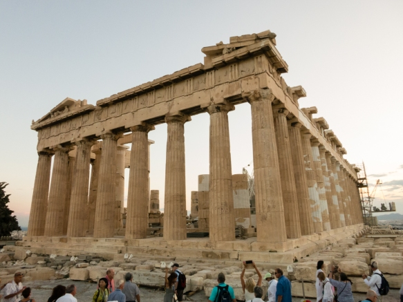 one-of-the-worlds-most-famous-buildings-the-parthenon-dedicated-to-the-goddess-athena-a-massive-gold-and-ivory-sculpture-of-athena-was-in-the-center-of-the-ancient-temple-was-built-betwe