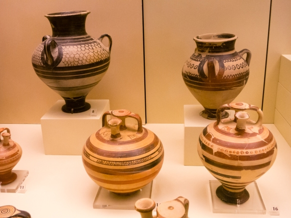 pottery-dating-to-around-the-14th-century-b-c-that-was-found-in-the-houses-in-the-acropolis-mycenae-museum-mycenae-greece