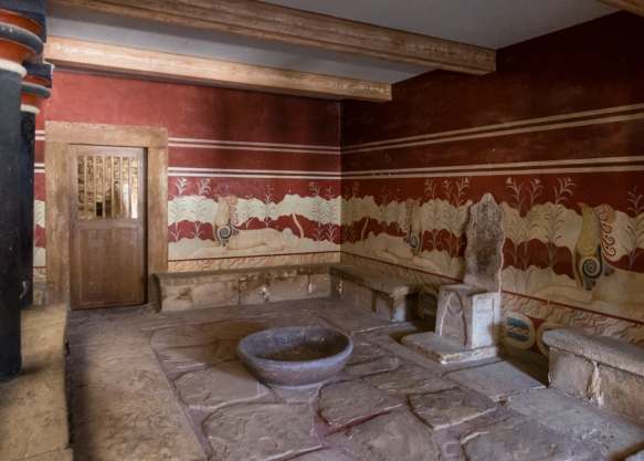 the-centerpiece-of-the-palace-was-the-so-called-throne-room-this-chamber-has-an-alabaster-seat-identified-by-evans-as-a-throne-built-into-the-north-wall-more-likely-this-was-a-religious