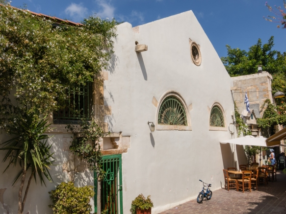 the-modest-exterior-of-etz-hayyim-synagogue-chania-crete-greece-it-is-considered-to-have-been-built-on-the-site-of-saint-catherines-church