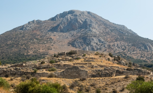 the-mycenean-acropolis-dominates-the-surrounding-area-on-the-top-was-the-palace-the-focus-of-the-public-life-of-the-king-mycenae-greece