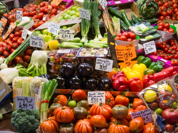 fresh-tomatoes-and-vegetables-for-sale-at-marche-couvert-des-saint-germain-the-saint-germain-covered-market-paris-by-mouth-taste-of-saint-germain-france