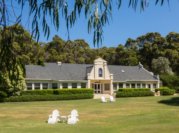 in-the-margaret-river-region-of-western-australia-we-stayed-at-the-very-comfortable-and-luxurious-cape-lodge-near-the-small-town-of-wilyabrup