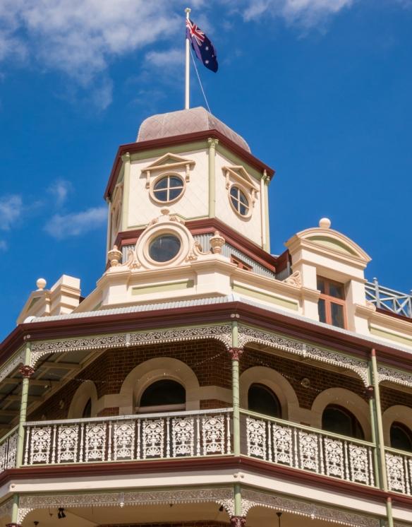 national-hotel-nicely-restored-in-fremantle-australia