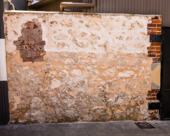 street-art-that-looks-like-it-is-part-of-the-exterior-of-the-building-whereas-it-is-art-installed-at-the-site-fremantle-australia