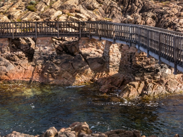 the-park-at-canal-rocks-has-a-solidly-built-wooden-walkway-bridge-from-the-parking-lot-out-to-the-bluff-where-we-could-see-the-banding-gneiss-on-the-rocks-along-the-coastline-and-observe-the-canals
