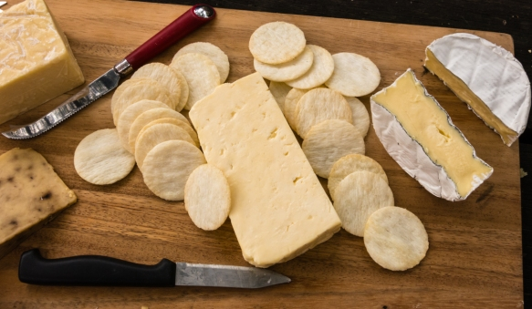 the-abc-cheese-factory-cheeses-were-quite-tasty-right-to-left-cows-milk-mountain-ash-a-hard-cows-milk-cheese-smoked-garlic-cheese-and-an-australian-style-cheddar-central-tilb