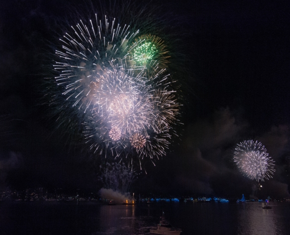 the-midnight-happy-new-year-2017-fireworks-started-off-like-the-9-p-m-kids-fireworks-but-as-shown-in-the-next-photograph-had-a-superb-finale-on-the