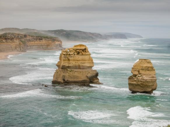 the-twelve-apostles-v-melbourne-victoria-australia