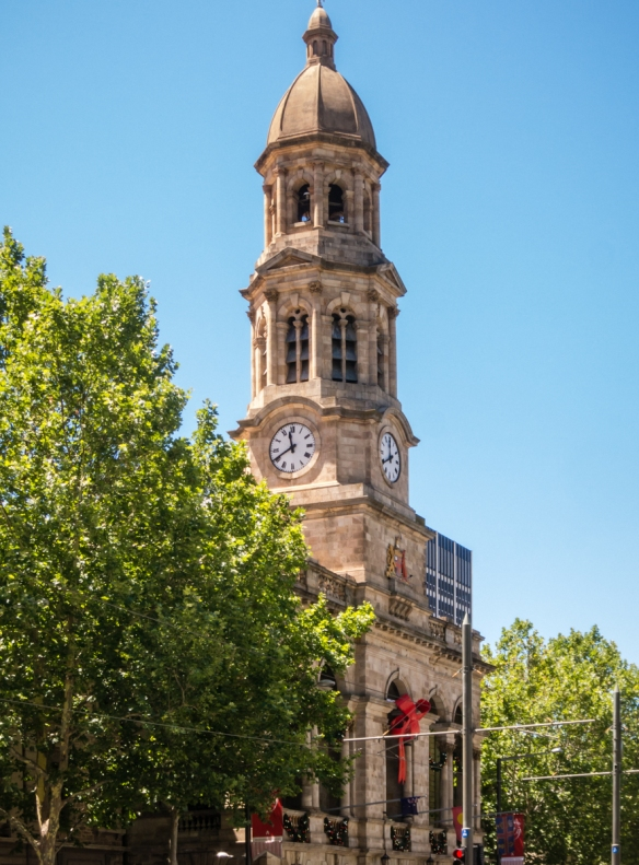 town-hall-decorated-for-the-holiday-season-adelaide-australia