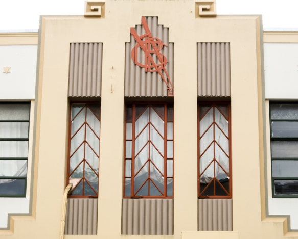 details-of-second-story-windows-napier-new-zealand