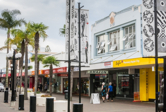 one-of-the-main-shopping-streets-in-downtown-napier-new-zealand-where-the-height-limit-of-two-stories-was-observed-in-the-rebuilding-that-began-in-1931-1932