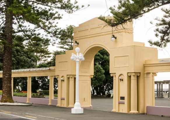 the-new-napier-arch-is-a-portal-to-the-walkway-along-the-breakfront-constructed-after-the-1931-earth-along-the-waterfront-and-beach-napier-new-zealand