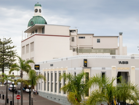 the-t-g-building-atkin-mitchell-wellington-1936-is-the-tallest-building-in-napier-with-the-auckland-savings-bank-asb-is-in-the-foreground-napier-new-zealand