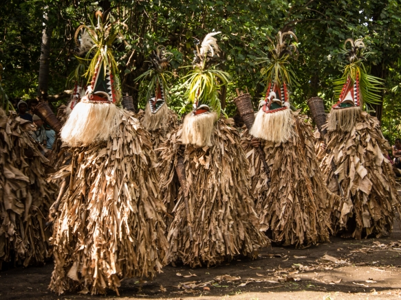 each-outfit-is-individually-hand-made-and-not-seen-by-any-of-the-villagers-or-guests-until-the-dance-begins-ambrym-island-vanuatu