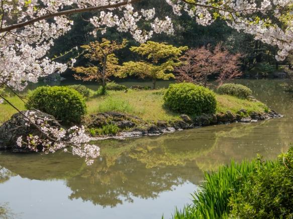 A small island in Gun_o-chi pond, Ritsurin Garden, Takamatsu, Kagawa, Japan
