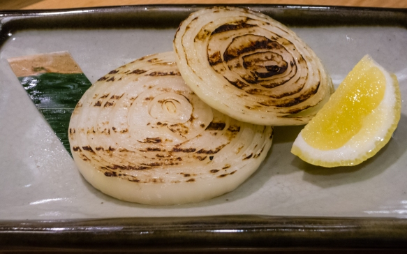 Very simple in presentation, but the onion was almost sweet after grilling, Inakaya (Roppongi East), Tokyo, Japan