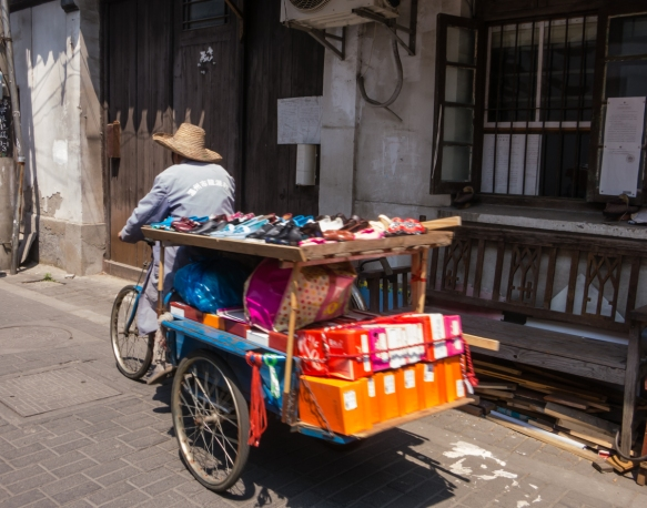 "A ""traditional"" shoe store – on wheels, presenting a combination of physical goods (not Internet photos) selection and instant home delivery, Suzhou, China; beat that, Amazon!"
