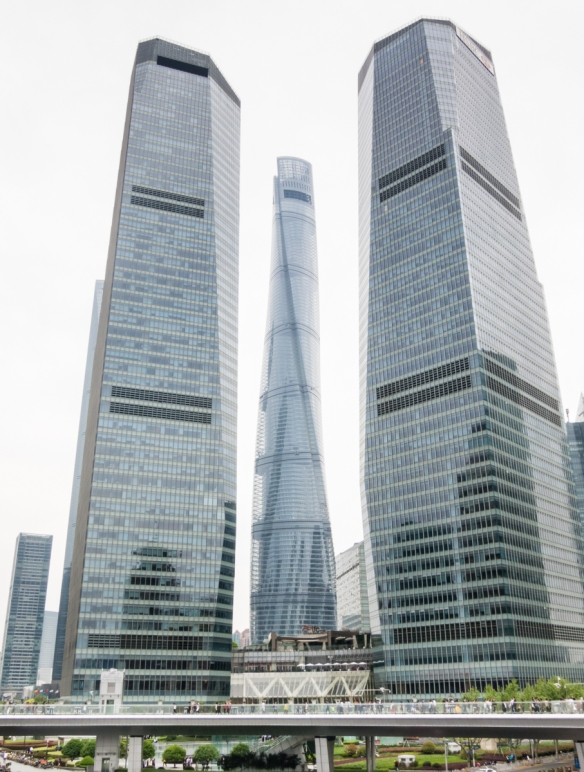 As the third tower in the trio of signature skyscrapers at the heart of Shanghai_s new Lujiazui Finance and Trade Zone, Shanghai Tower, completed in 2015, stands 632 meters (2,073 feet