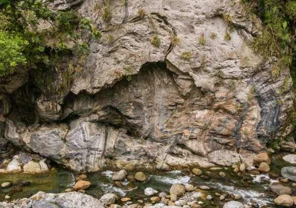 """The rock formations along the trail were beautiful, reflecting millions of years of Mother Nature shifting the """"ground"""" that now formed the rock walls of the gorge, Taroko National P"""