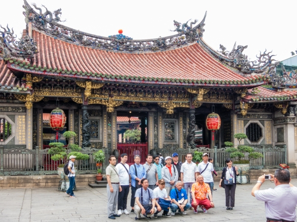 The most well known temple in Taiwan, Lungshan Temple was built in 1738 in Taipei_s Manka district by settlers from Fujian as a gathering place for Chinese settlers